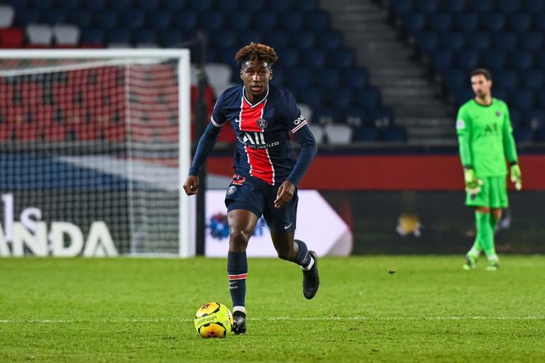Timothée Pembélé, jeune défenseur central du Paris SG.
