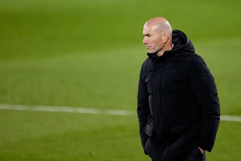 Zinedine Zidane a tenu à calmer le jeu après le match nul concédé par le Real Madrid à Elche.