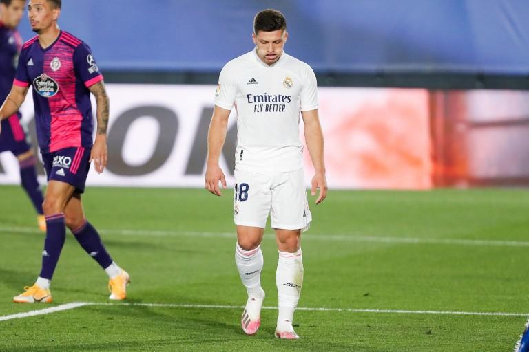 Jovic retourne à Francfort pour six mois, en provenance du Real Madrid.
