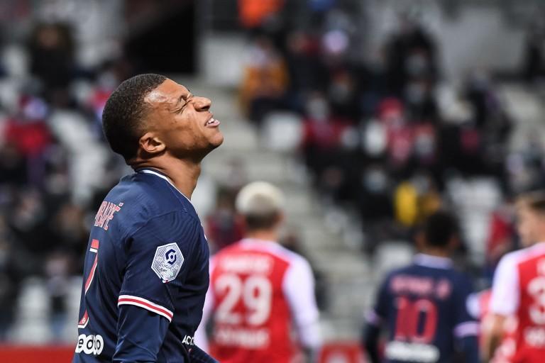 Kylian Mbappé a vu sa valeur marchande dégringoler avec le PSG.