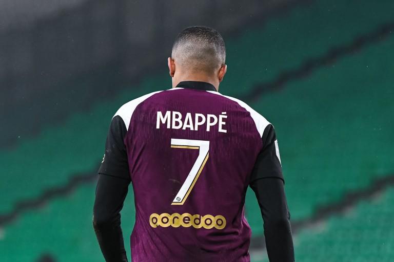 PSG Mercato : Le coup de Pochettino qui va déplaire à Mbappé.