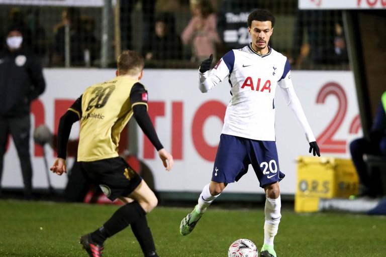 Dele Alli, milieu offensif de Tottenham visé par le PSG.
