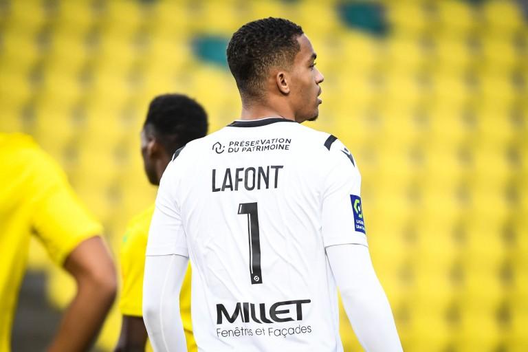 Alban Lafont, gardien de but du FC Nantes, annoncé dans le viseur de l'OM
