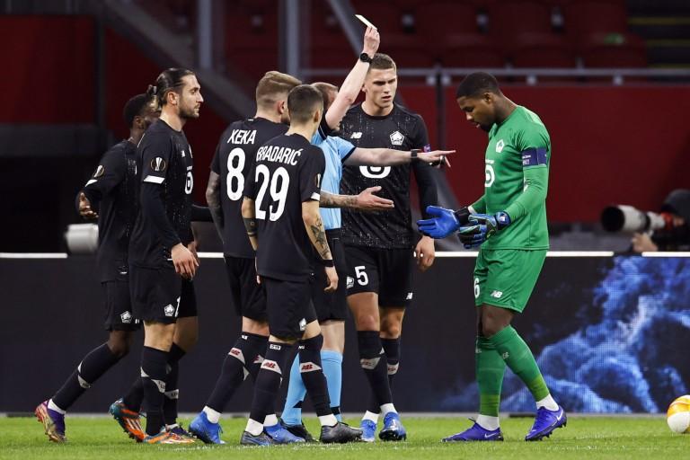 LOSC : L'arbitrage du match retour contre l'Ajax très critiqué