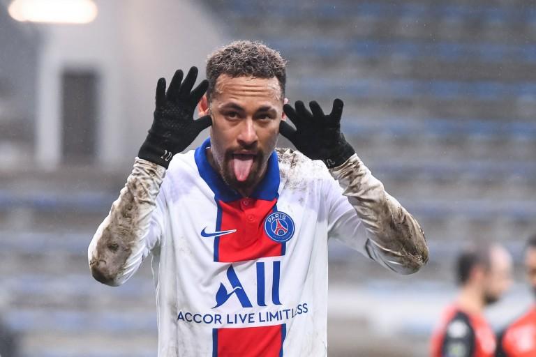 Neymar, star du PSG, en instance de prolongation de son contrat.