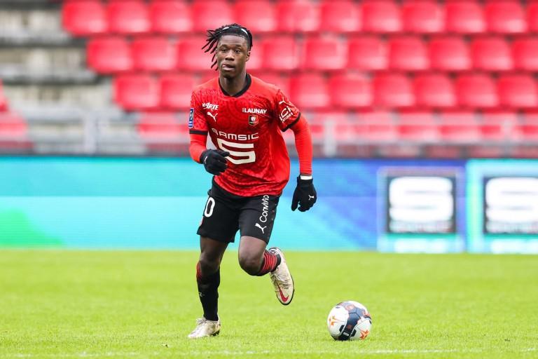 Eduardo Camavinga pourrait rester plus longtemps que prévu au Stade Rennais.