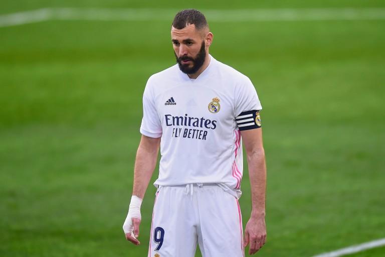 Leader du Real Madrid, Karim Benzema a tenu à défendre son entraîneur Zinedine Zidane, sous le feu des critiques depuis des mois.