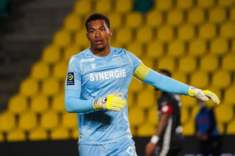 Alban Lafont prolongé par le FC Nantes