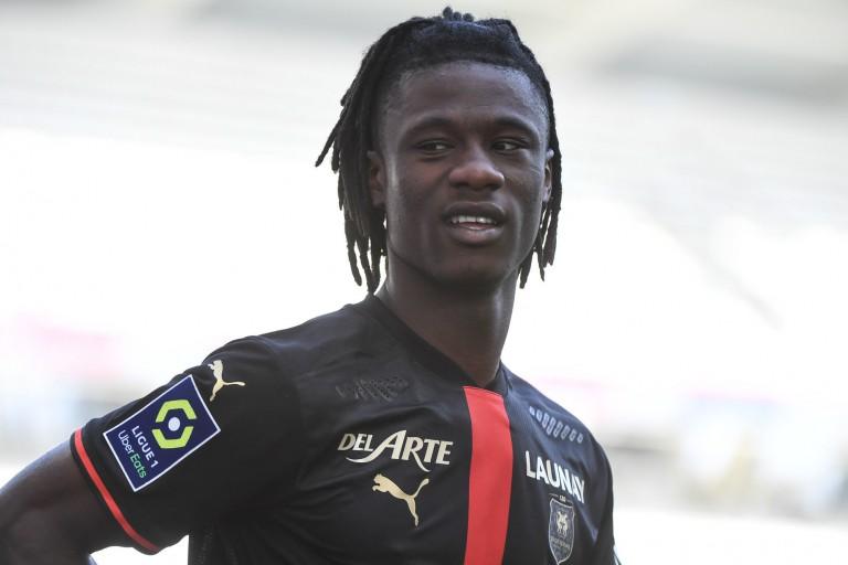 Le PSG prépare son offre pour Eduardo Camavinga.
