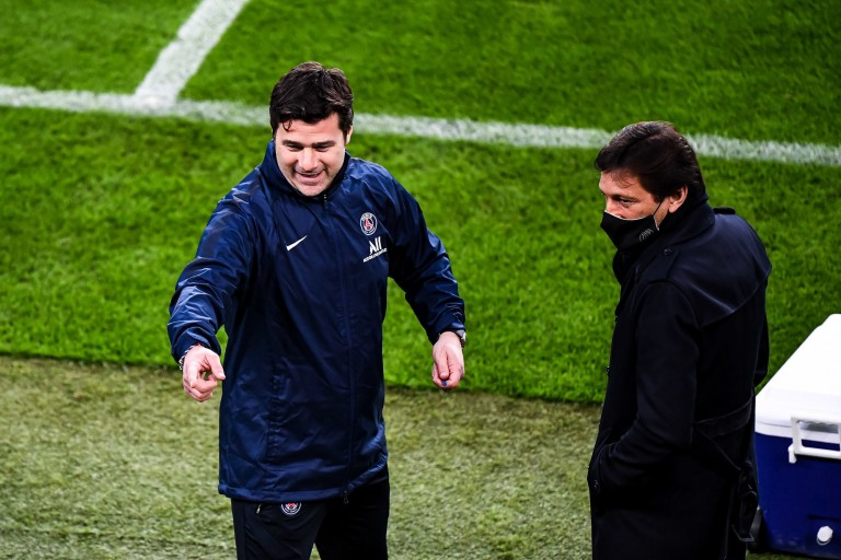 Mauricio Pochettino et Leonardo du PSG.