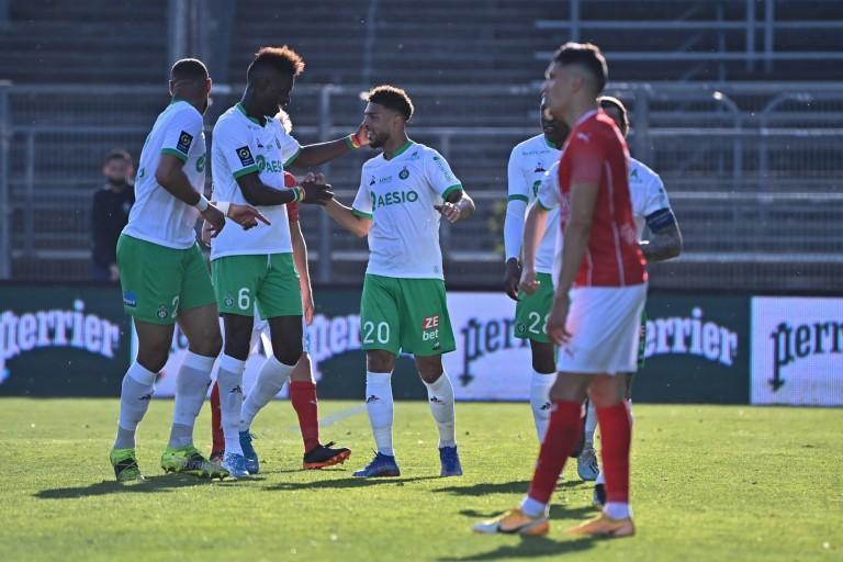 L'ASSE en joie face au Nîmes battu (2-0) aux Costières.