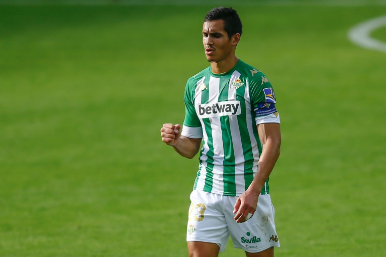 Aïssa Mandi, défenseur central du Betis Séville visé par l'OL