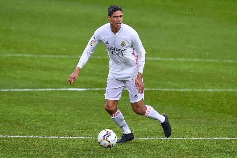 PSG Mercato : Raphaël Varane sous les couleurs du Real Madrid.