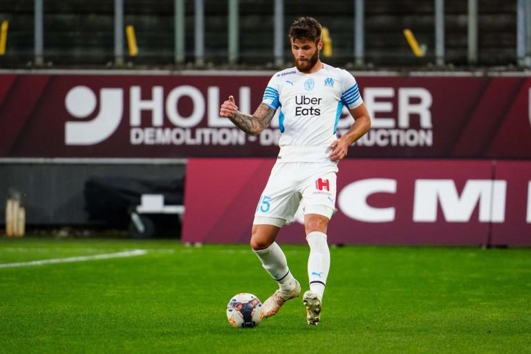 Le défenseur de l' OM Duje Caleta-Car peut encore rêver de rejoindre la Premier League cet été.