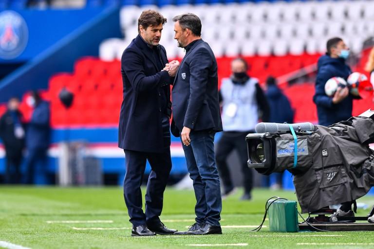 Franck Haise du RC Lens  et Mauricio Pochettino du PSG.