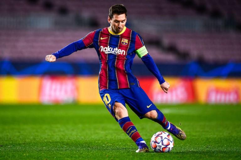 PSG Mercato : Lionel Messi est en fin de contrat avec le Barça.