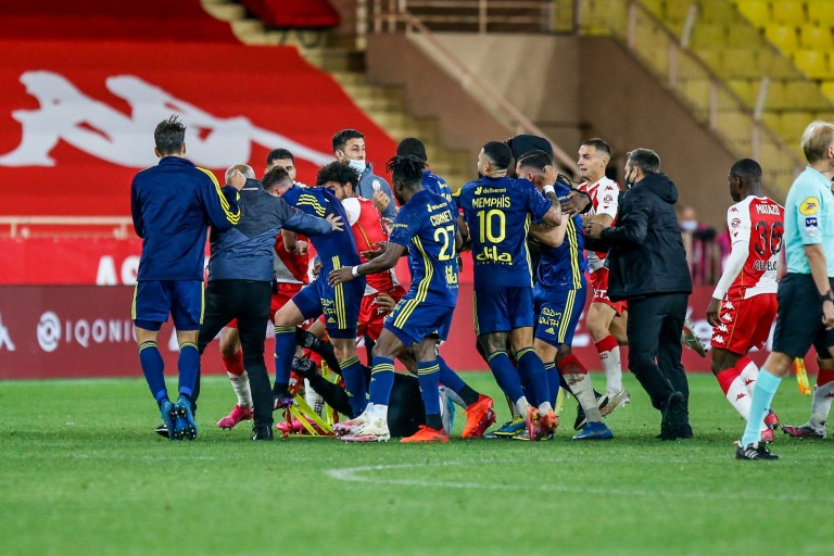 Bagarre entre joueurs de l'OL et ceux de l'AS Monaco.