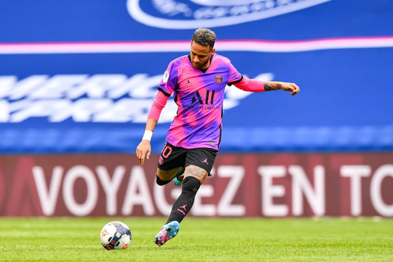 Neymar Jr a prolongé au PSG jusqu'en 2025.