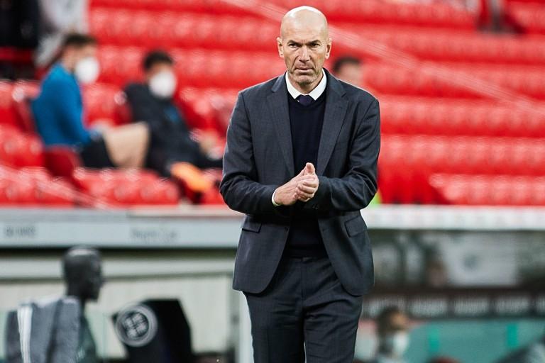 Zinédine Zidane n'est plus l'entraîneur du Real Madrid et pourrait débarquer en Angleterre.