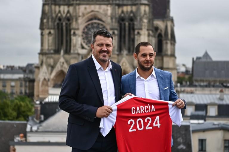 Oscar Garcia, nouveau coach du Stade de Reims et Mathieu Lacour (DG).