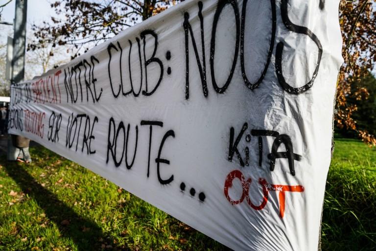 Les supporters du FC Nantes continuent de déployer des banderoles hostiles à Kita.
