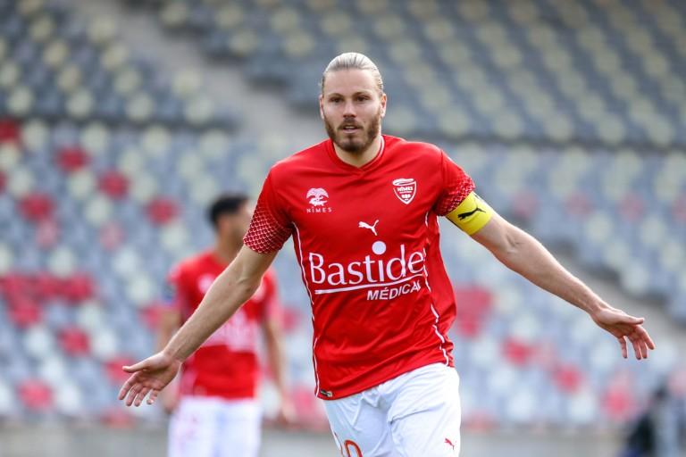 Le FC Nantes à la lutte avec l'ES Troyes AC pour Renaud Ripart.