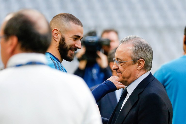 Real Mercato : Benzema renouvelle jusqu'en 2023.