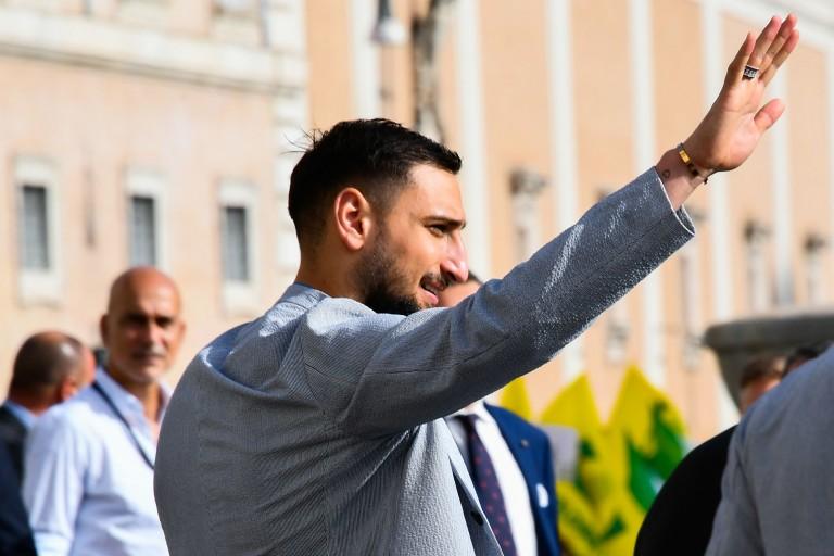Donnarumma s'engage avec le PSG jusqu'en 2026.