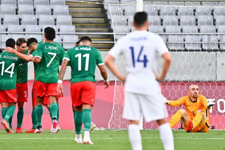 L'Equipe de France s'est incliné 4 buts à 1 contre le Mexique.