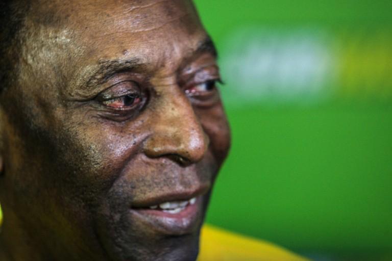 Hospitalisé depuis le 31 août, Pelé a subi une lourde opération cette semaine