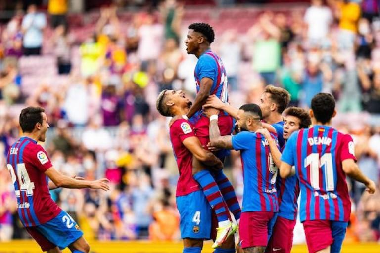 Ansu Fati célébrant le troisième but du FC Barcelone face à Levante (3-0).