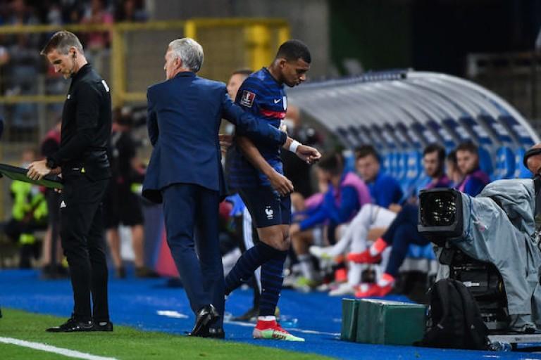 Mbappé quitte les Bleus et retourne au PSG.
