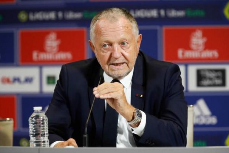 Le président de l' OL, Jean Michel Aulas, en conférence de presse.