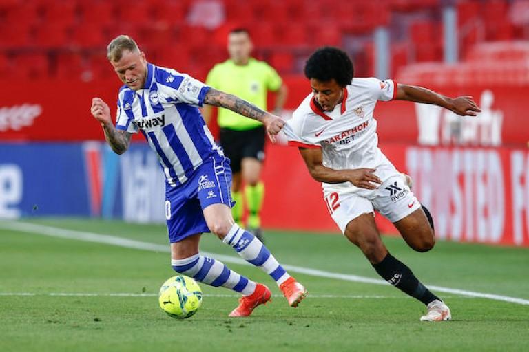 Ciblé par Chelsea, Jules Koundé est finalement resté au FC Séville.