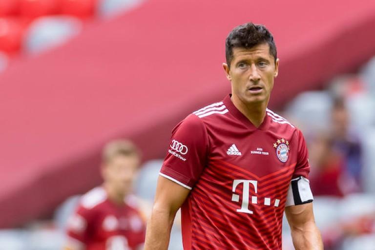 Lewandowski : « je suis à 100 % avec le Bayern. »