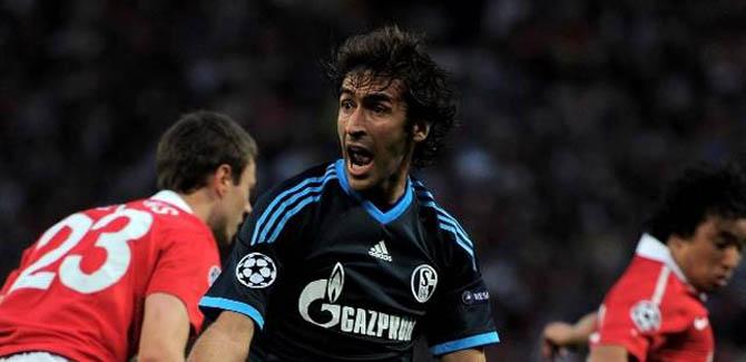 Schalke 04 – Transfert : Raul souffle le chaud et le froid.