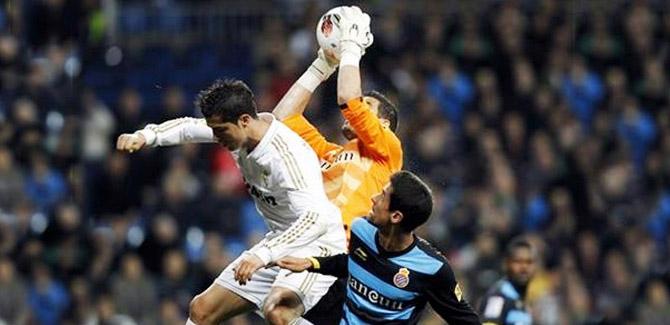 Transfert : Casilla ne devrait plus rejoindre le PSG