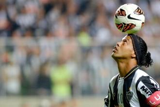 Transfert : Un club européen voudrait offrir un gros contrat à Ronaldinho ?