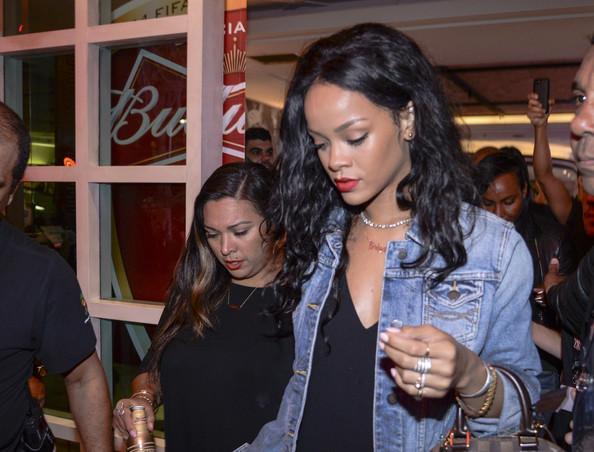 Rihanna veut acheter un club de football for Calendrier rihanna