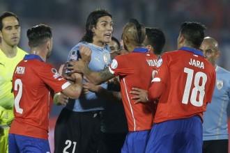 [ITW] Uruguay – Cavani / V.Fletcher : «Vous et moi, notre réaction aurait été bien pire face à Jara.»