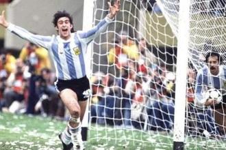 Copa America / Argentine : Mario Kempes attend plus de Pastore