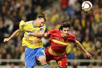 PSG -Suède-Monténegro : Ibrahimovic signe un doublé et perd un bout de son maillot