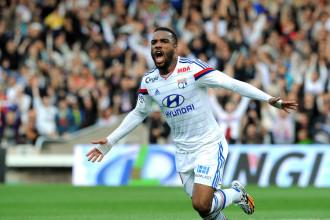 PSG – Mercato : Lacazette restera à Lyon