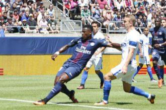 PSG : Serge Aurier touché par le geste de Thiago Silva